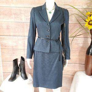 NWOT! Tahari beautiful vintage inspired skirt suit